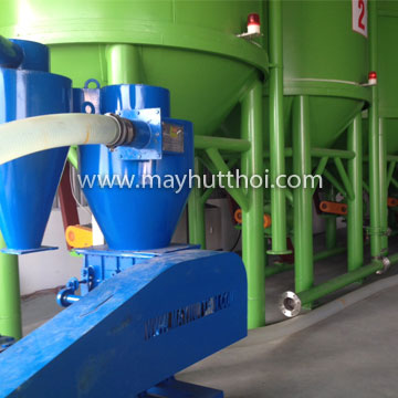 Pneumatic vacuum conveyor machine for conveying plastic resin in Hai Duong province, Vietnam
